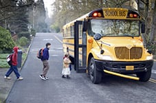 school bus - Finding a school when emigrating to the USA