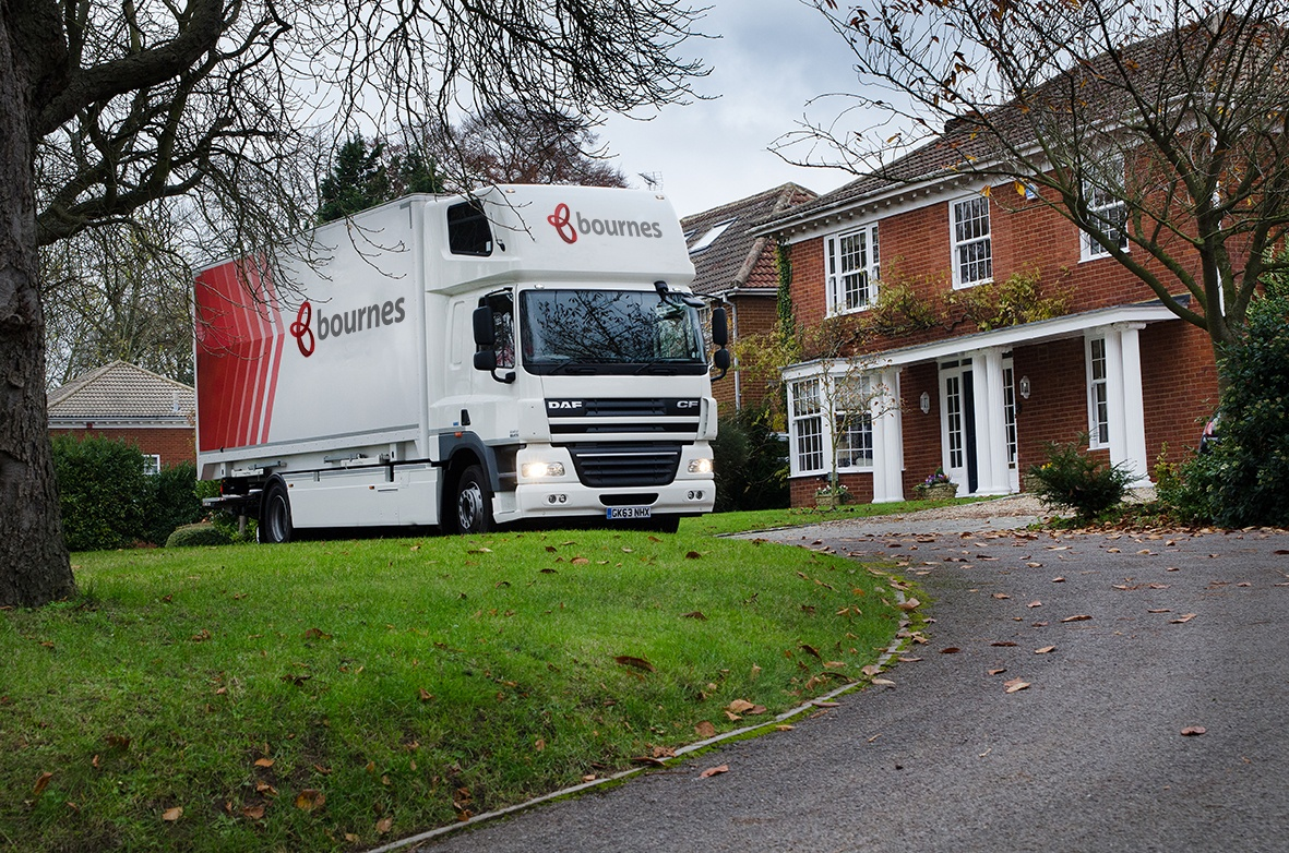 Removals lorry parked outside a customers house