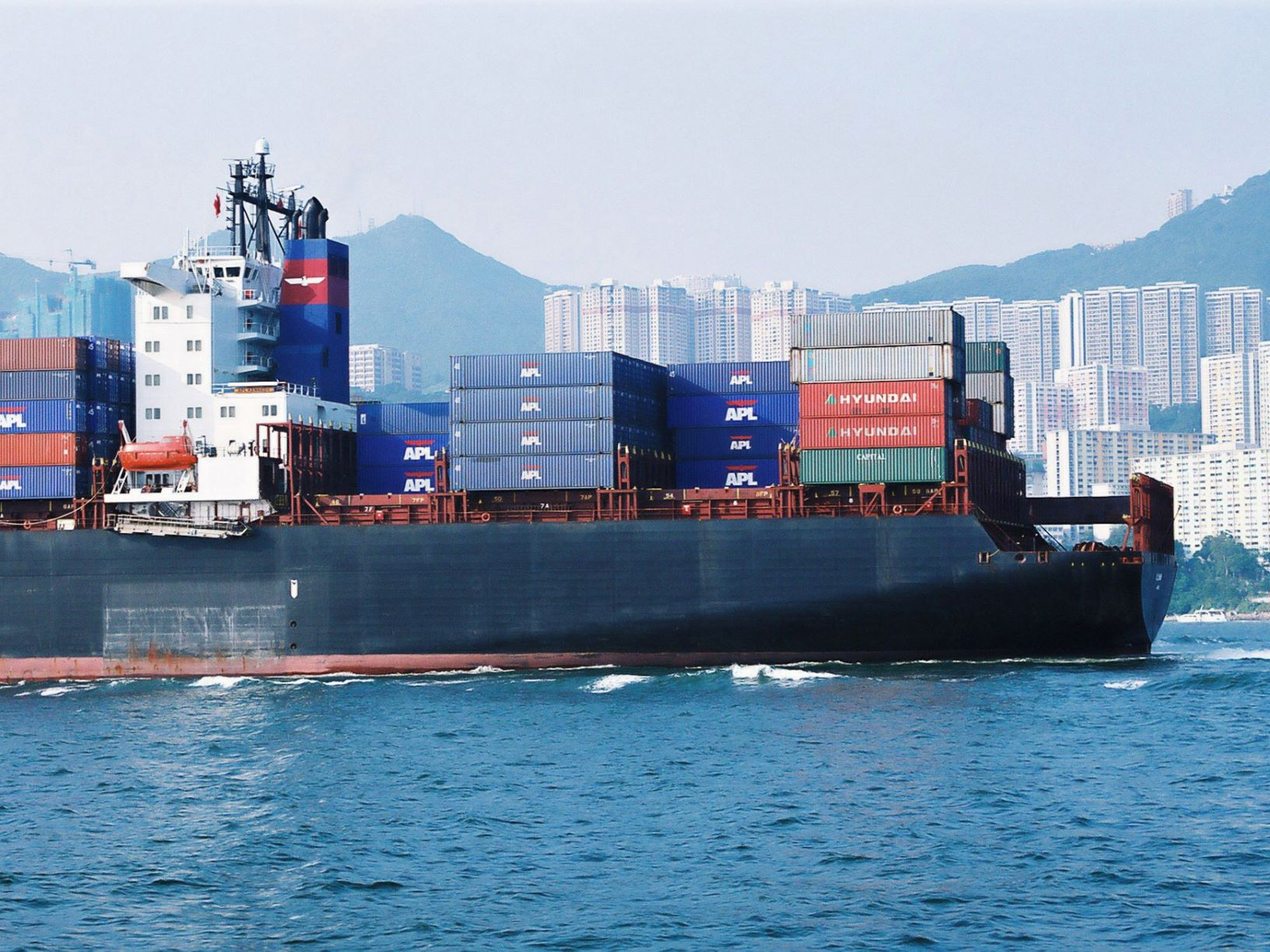 container ship m-1