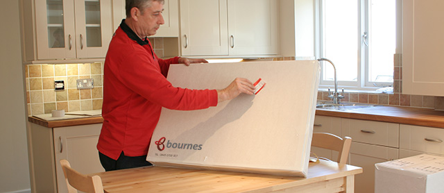 labelling professionally packed picture for moving house